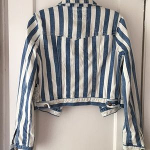 Forever 21 Jackets & Coats - Forever21 Blue and white stripe jean jacket size S